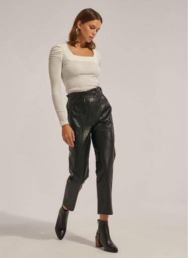 Monamoda Cepli Kemerli Vegan Deri Pantolon Siyah